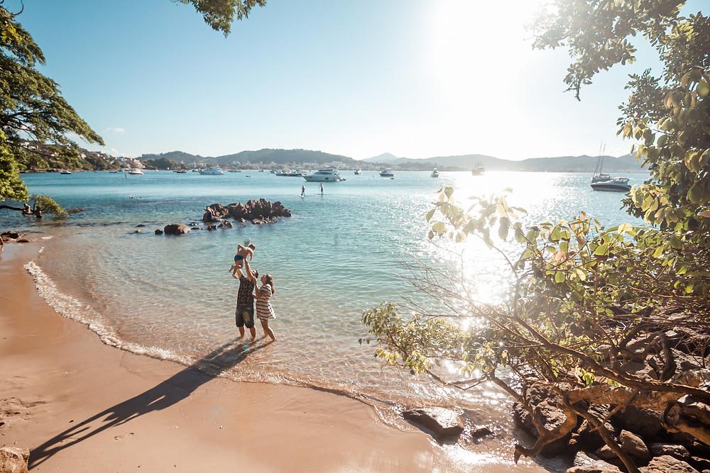 ensaio fotografico praia da sepultura, ensaio em familia na praia, praia da sepultura, bombinhas, cook mella