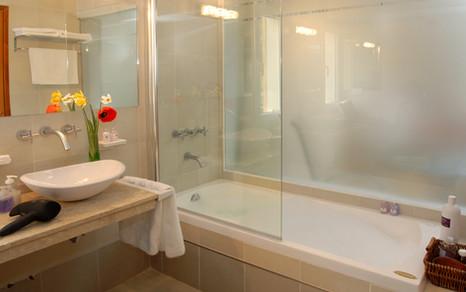 Suite_Premium_Aljaba_Baño.jpg