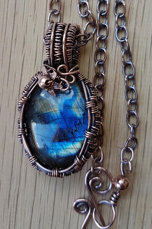 Copper Wire Weave Labradorite Necklace