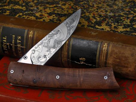 Le couteau pliant inspiration art Nouveau.