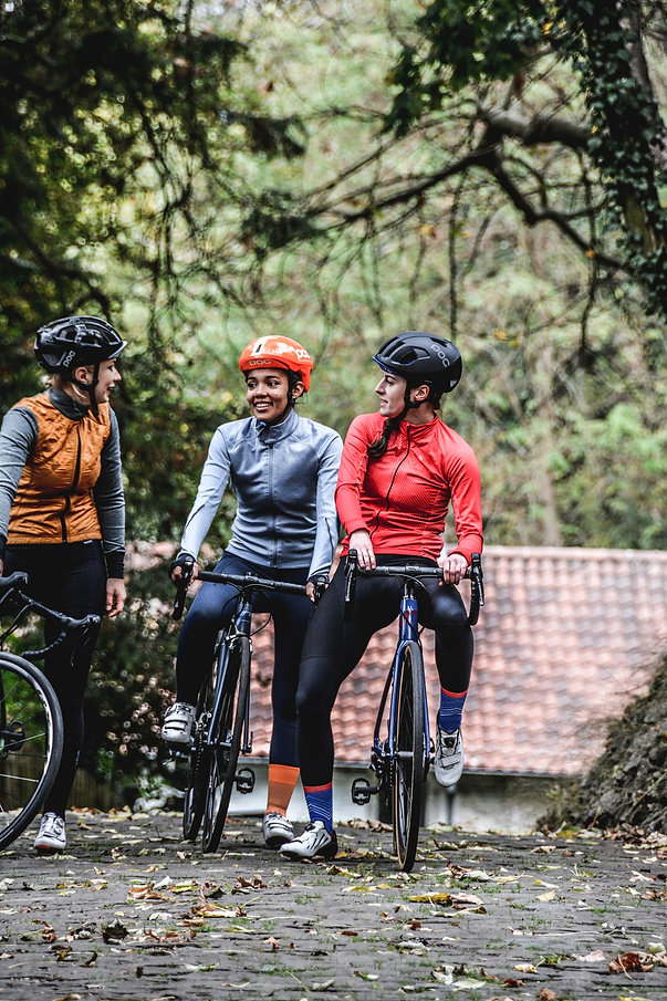 Female cyclists, road cycling camps, luxury cycling holidays in Spain, guided tours, www.ridingspain.com