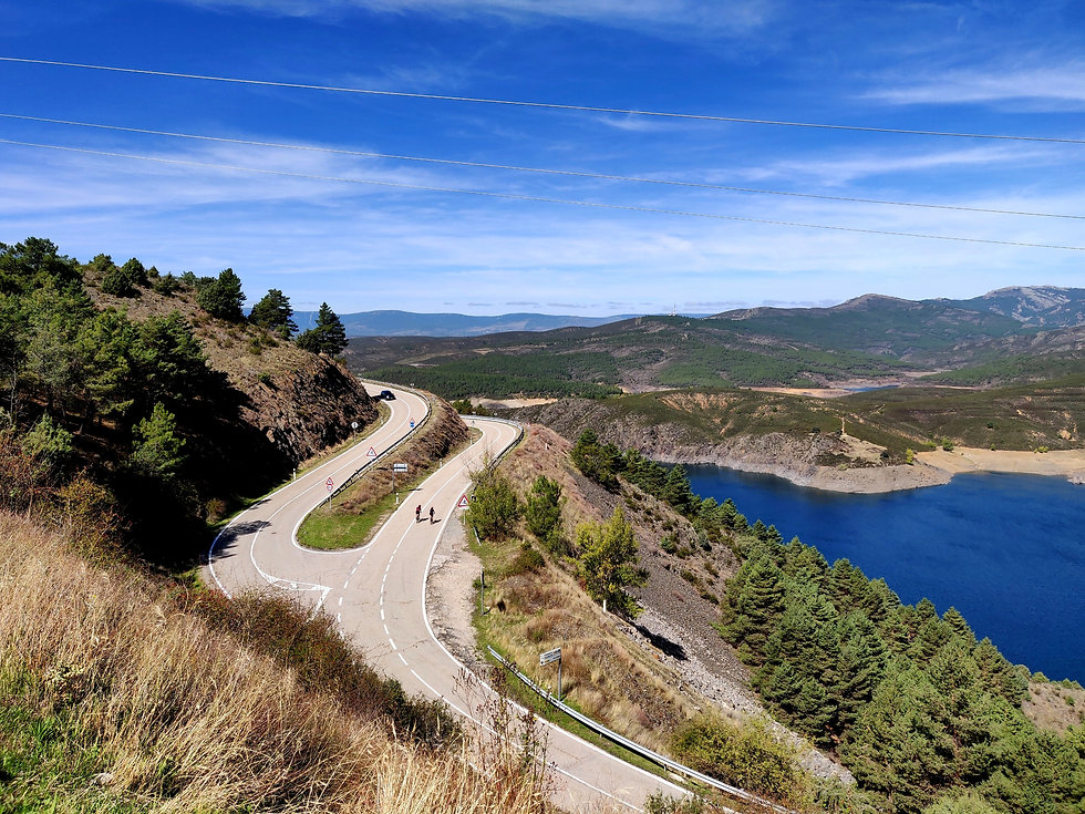 El Atazar, Madrid, road cycling camps, luxury cycling holidays in Spain, guided tours, www.ridingspain.com