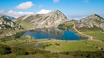 Lagos de Covadonga, Asturias, pro cycling terrain, special category climb, HC climbs, road cycling camps, luxury cycling holidays in Spain, guided tours, www.ridingspain.com