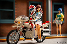 macross_hikaru_lisa_bike.jpg