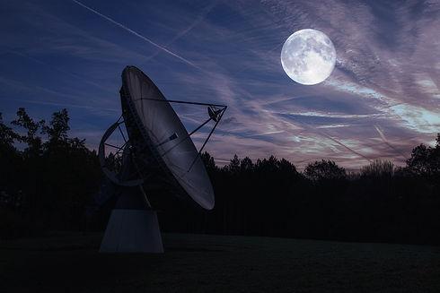 moon-4229845_1920.jpg