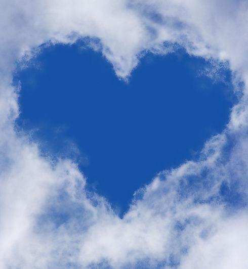 heart-1213475_1920_edited.jpg