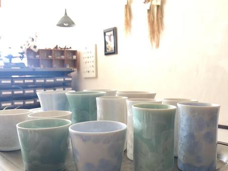 【在庫情報】長崎の五光窯より結晶釉のカップが届きました
