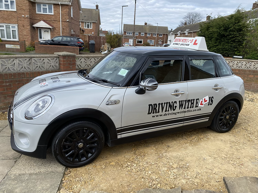 Driving with Ellis - The Mini