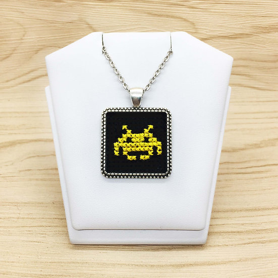 Space Invaders Atari Cross Stitch | Pendant