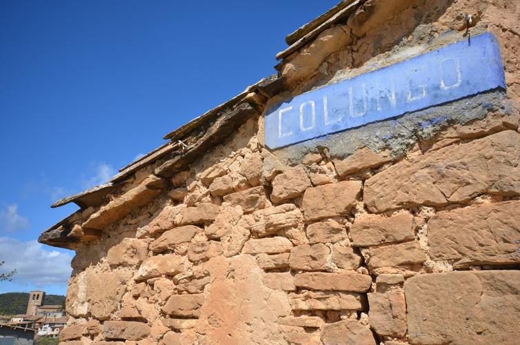 antiguo cartel entrada Colungo