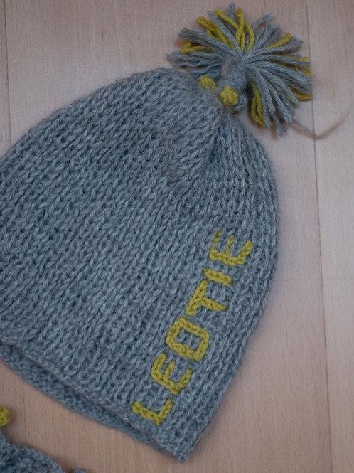 Mütze mit Quaste