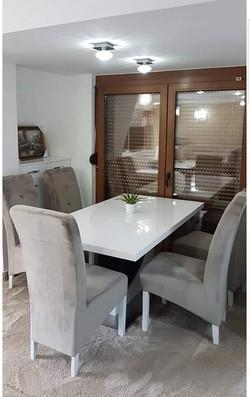 Trpezarijski stol PRAG