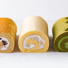 お餅ロール  人気のロールケーキに、日本伝統の「御餅」を組み合わせた、名古屋ふらんすのオリジナルロールケーキです。
