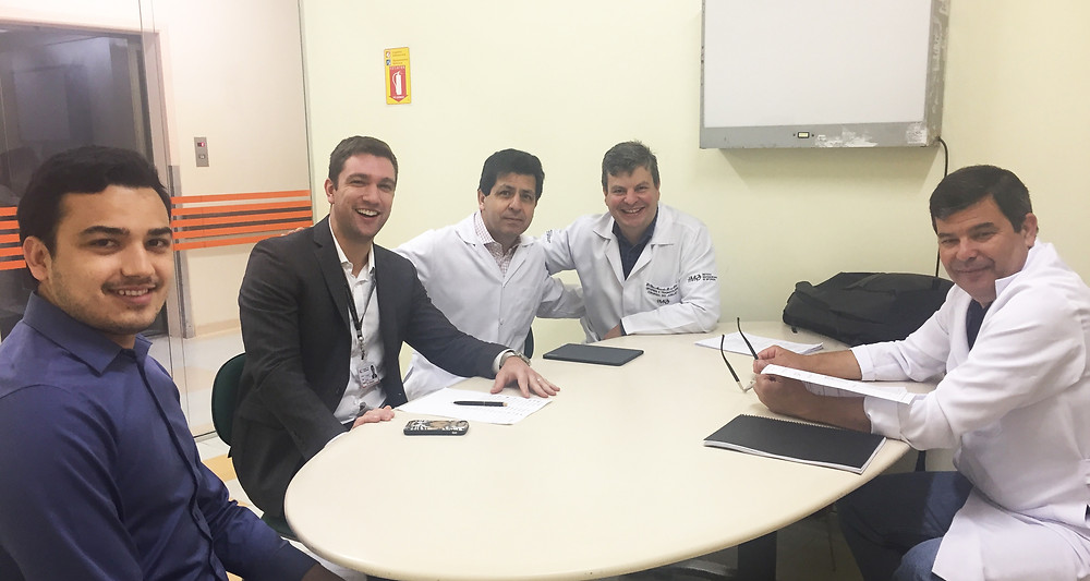 Dr. Elias Marcelo auxilia na escolha de novos pós-graduandos em Artroscopia e Traumatologia Esportiva