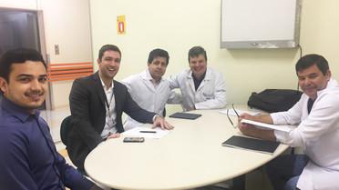Dr. Elias Marcelo auxilia na escolha de novos pós-graduandos em Artroscopia e Traumatologia Esportiv