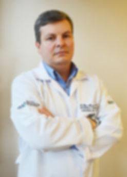 Dr. Elias Marcelo - Especialista em Joelho