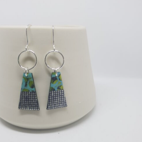 Circle & Dash trapeze earrings navy, lime and blue