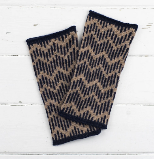 Lambswool zig zag wrist warmers in camel and navy