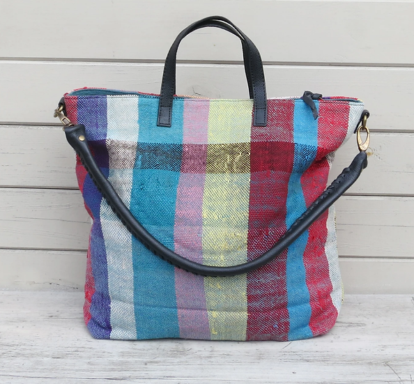 Aura que Manoha overnight bag - warm