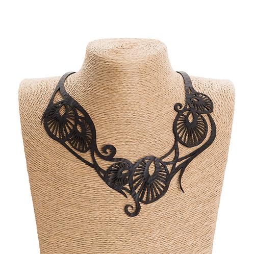 Paguro Leaf Art inner tube necklace