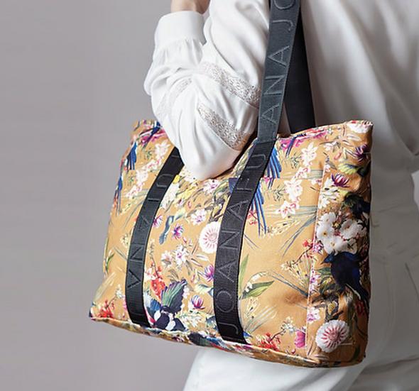 Joana Fulana tote bag in Treasure Garden Hazelnut