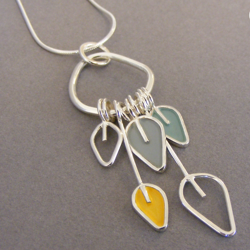 Drop pendant with 5 leaves - please check notes!