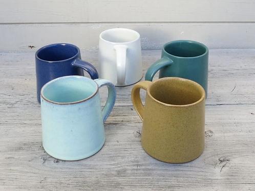 Aura Que Alo Conical shaped ceramic mug