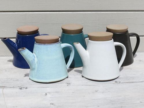 Aura Que Josilo conical shaped teapot