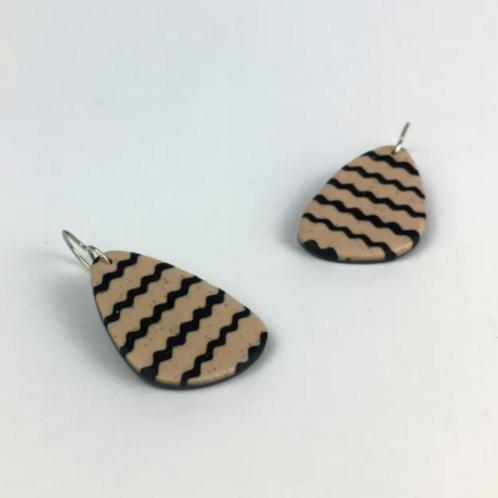 Nadege Honey - Earth tipi earrings