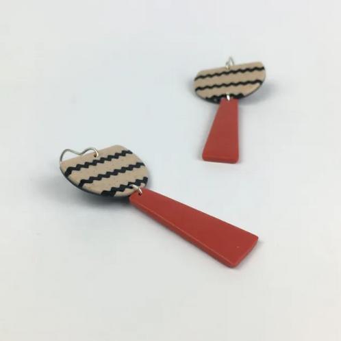 Nadege Honey - Earth totem red earrings