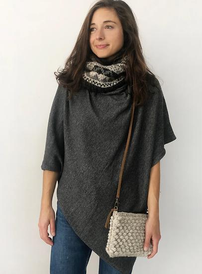 Aura Que Lalita eco wool crochet small bobble bag