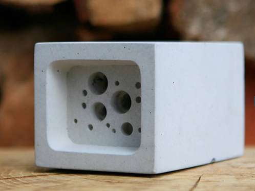 Bee block - small