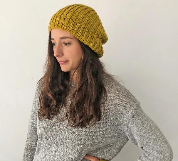 Aura Que vegan banana slouch beanie hat