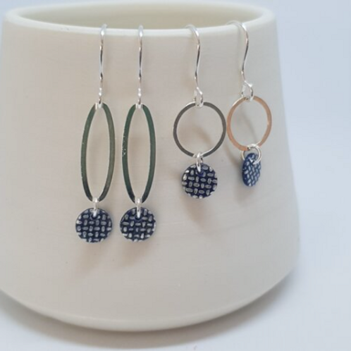 Circle & Dash oval droplet earrings - monochrome