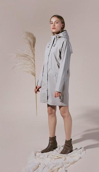 Ichi Tazi rain jacket in feather grey