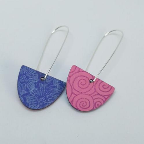 Circle & Dash semi circle pink & blue reversible earrings