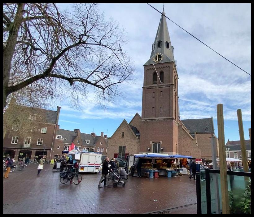 Kerk markt Wageningen