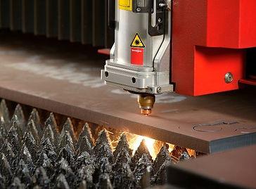 Corte a laser de chapas Famma.jpg