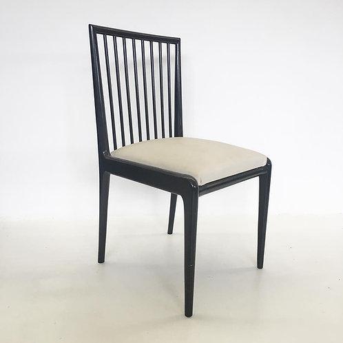 Cadeiras Branco e Preto