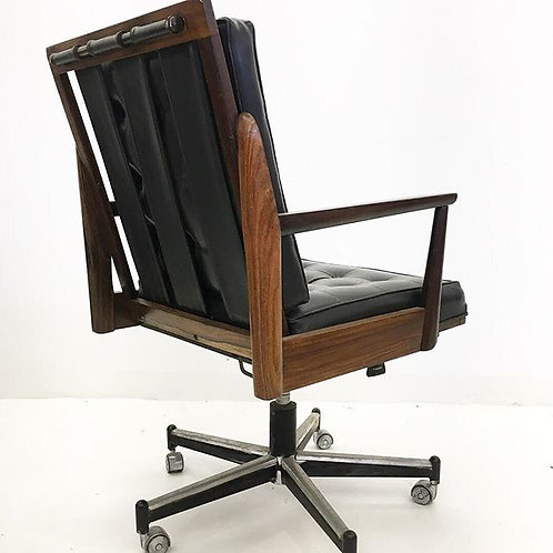 Cadeira Jacarandá