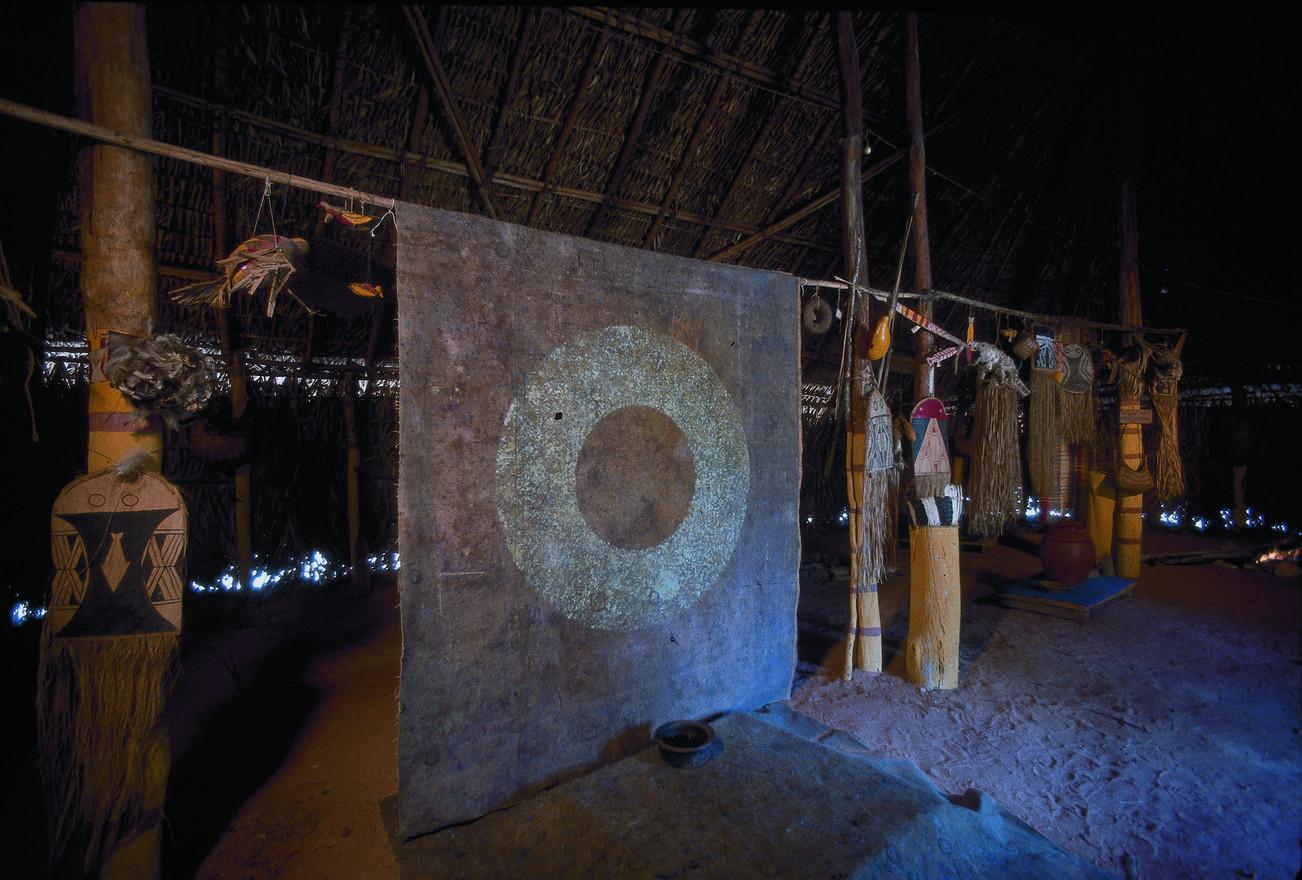 Instalação em Oca Kamayurá