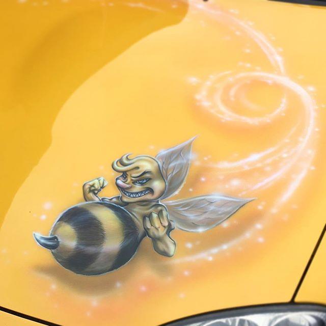 Mx5 Bee Scott Airbrushwork