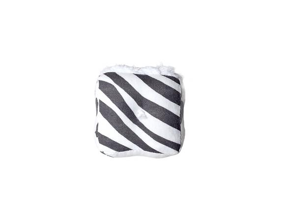 Sensory Cube | Black + White
