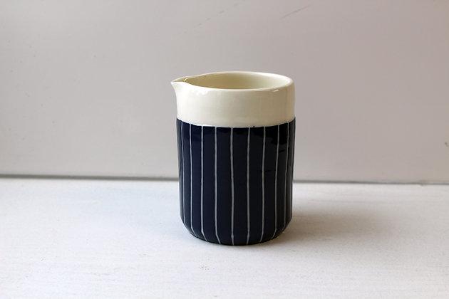 Midnight Stripe Pourer