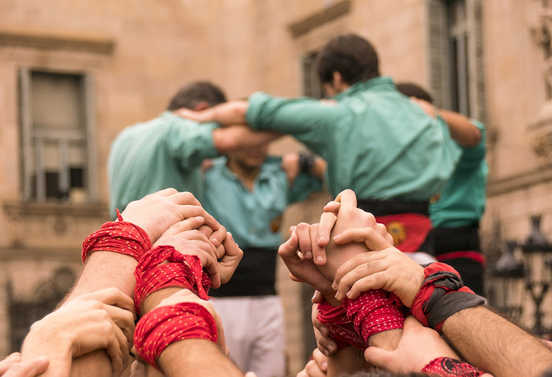 Castellers hands and people.jpg