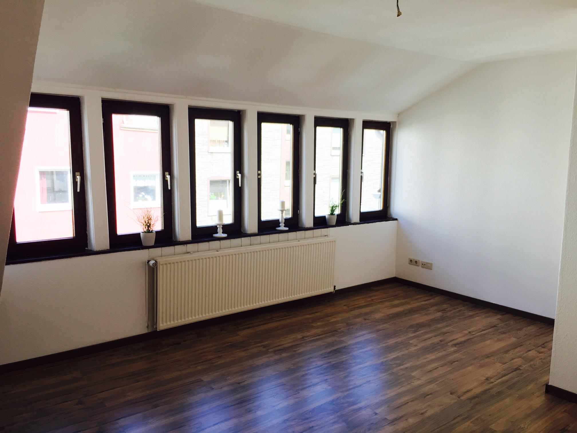 Schlafzimmer_mit_großer_Fensterfront