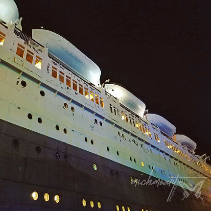 Queen-Mary-(side-view).jpg