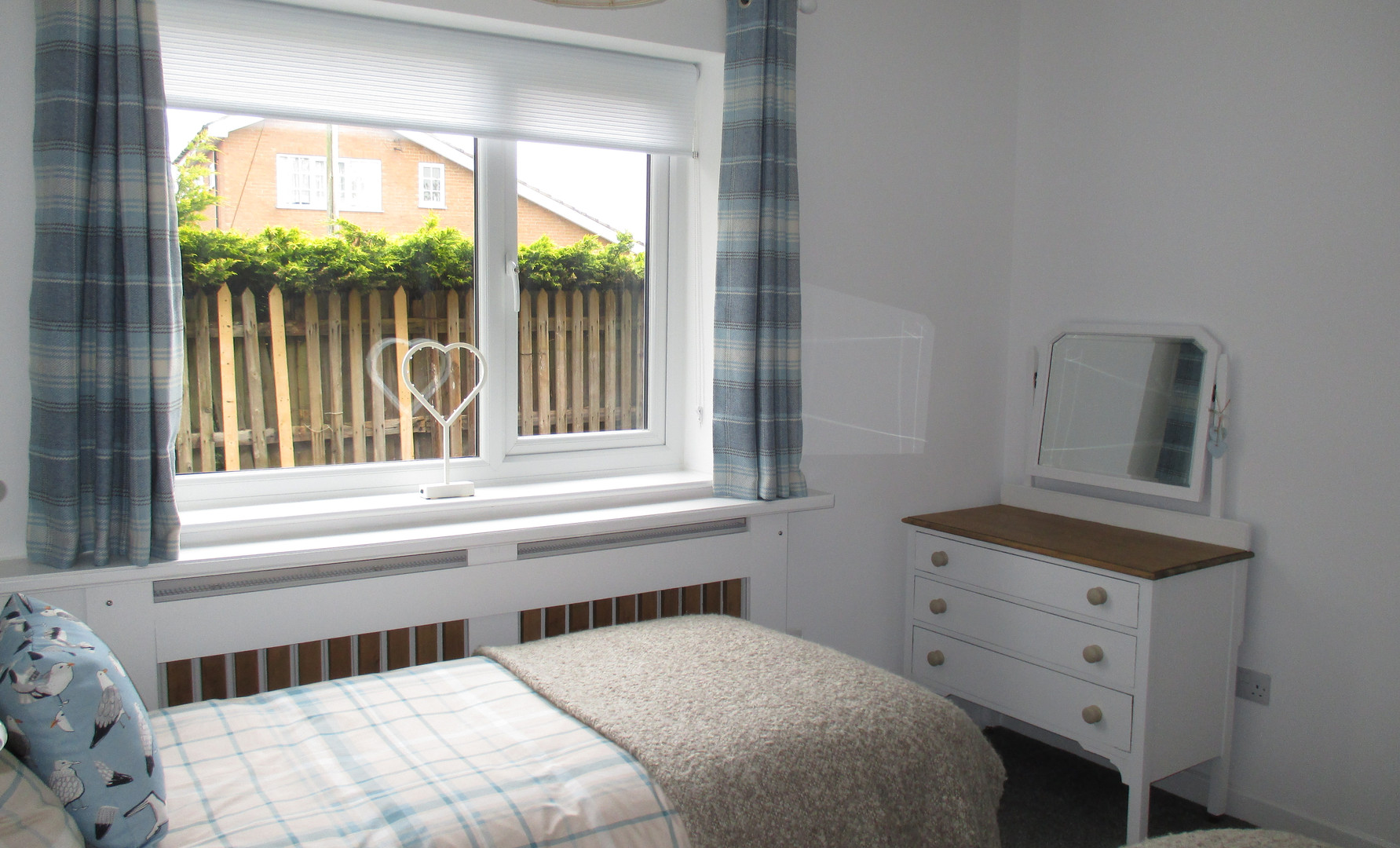 Second bedroom with dressing table