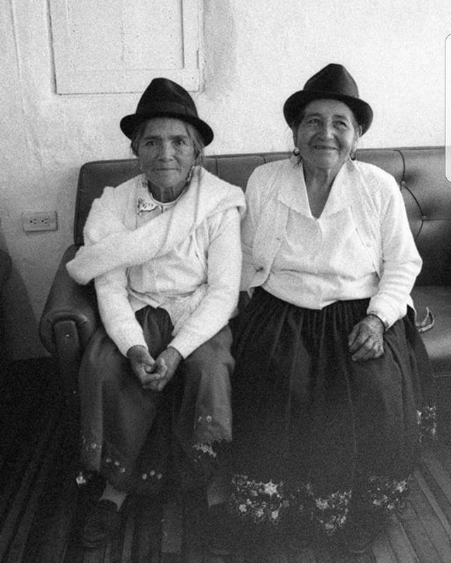 _Tia Rosita y Tia Aurora_ ~ Enero 2010, esta foto que esta exhibido en Rincón Melania, de nuestras t
