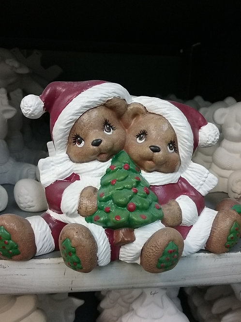 Cuddle bears with tree
